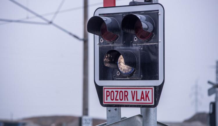 Železniční přejezd v Bukovci vyřadila závažná porucha, cesta do Kaplice se protáhne