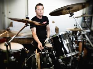 Phil Rudd se svou kapelou rozbubnuje i Budějce