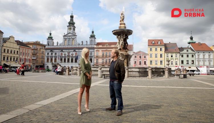 VIDEO: Drbárna – Finalistka České Miss Michaela Šmejkalová: Účast ve finále mi může pomoci
