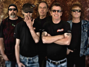SOUTĚŽ: Phil Rudd, vynikající bubeník a dlouholetý člen kapely AC/DC, míří do Budějc