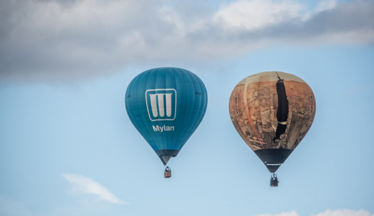 VIDEO: Nad Lipnem létají balony