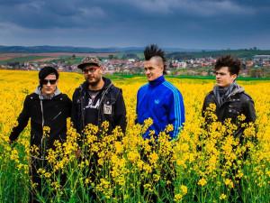 KULTURNÍ TIPY: Fabrika Punk Fest a Hardcore Fest, JAKSI TAKSI nebo Hungry Beats vK2