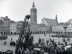 DRBNA HISTORIČKA: Socha Jana Žižky na náměstí