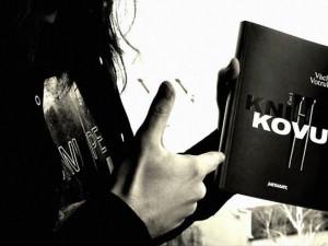 Úspěšná Kniha kovu má pokračování. Václav Votruba tentokrát mapuje žánry grindcore a doom metal