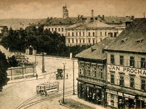 DRBNA HISTORIČKA: Zpočátku šlo o doutníky a tabák do fajfek