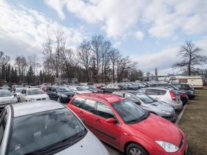 CO VY NA TO? Plánovaný parkovací dům u sportovní haly se lidem příliš nezamlouvá