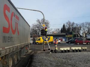 Řidiče v Českých Budějovicích nemile překvapila výměna semaforů na rušné křižovatce