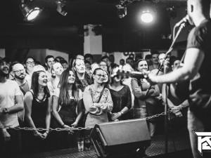 Svérázný písničkář Vojtaano se představí v budějckém hudebním klubu K2