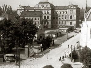DRBNA HISTORIČKA: Na Senovážném náměstí dříve stálo kino Royal