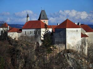 Policie prověřuje únik třech tisíc kubíků vody ve vimperském zámku