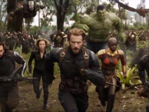 FILMOVÉ PREMIÉRY: Vrací se Avengers a svedou nekonečný boj. Doplní je dvě komedie