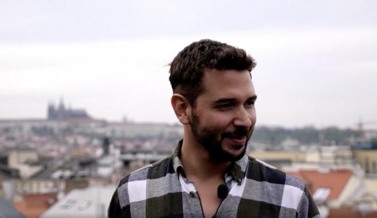 DRBÁRNA: Miluju to tady, říká režisér klipů a reklam Juan David Salazar