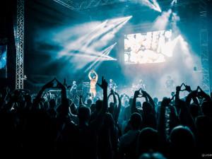 FOTO: Mejdan v Budvar aréně? Motorfest už potřetí bavil nejen fanoušky budějckého Motoru