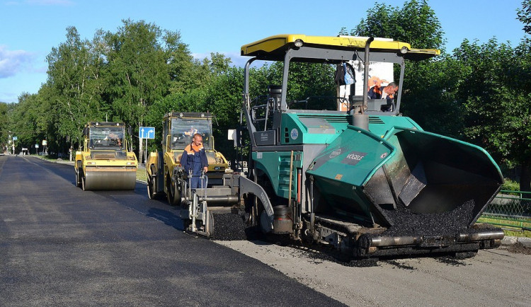 Na silnici z Budějc k hranicím s Rakouskem začala další oprava, mohou se tvořit kolony