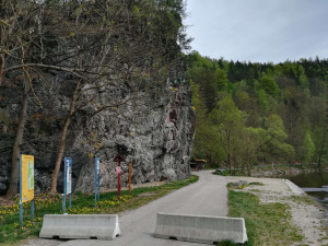 V Českém Krumlově začaly přípravné práce na odlom Barevné skály