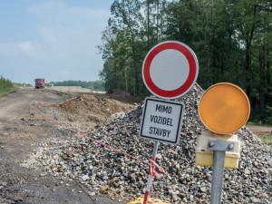 Provoz na jihu Čech ztíží opravy na silnici I/3 i mostu v Římově