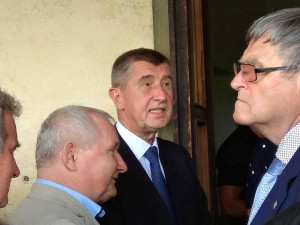 Premiér v demisi Babiš s ministry míří na jih Čech. Návštěvu načne na stavbě obchvatu Budějc