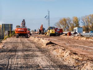 GLOSA: Kdyby se daně platily jako se staví dálnice…