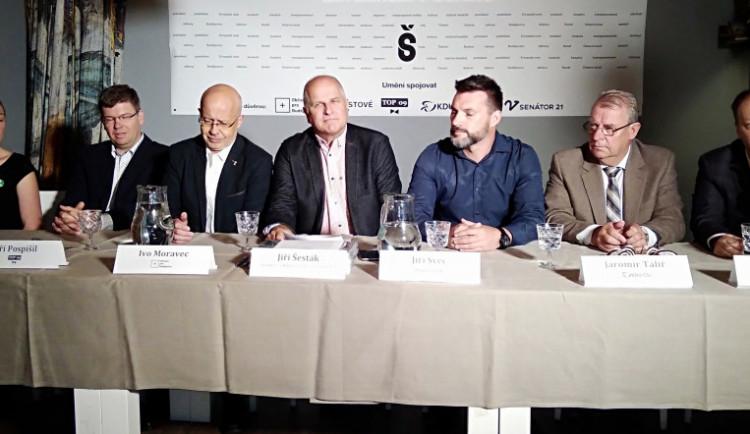Senátorské křeslo bude obhajovat Jiří Šesták a usilovat o něj bude také Richard Schötz