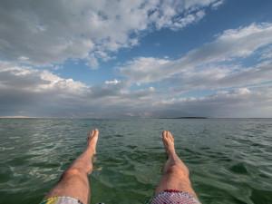 CO VY NA TO? Dovolenou si lidé užívají u moře, ale i doma