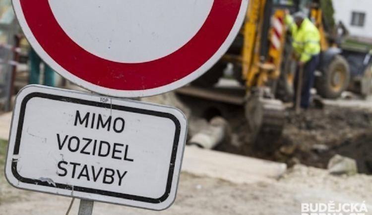 DOPRAVNÍ INFO: Mezi Češnovicemi a Pištínem bude do října uzavírka. A nebude jediná