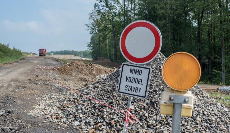 DOPRAVNÍ INFO: Opravy jihočeských silnic si vyžádají další uzavírky