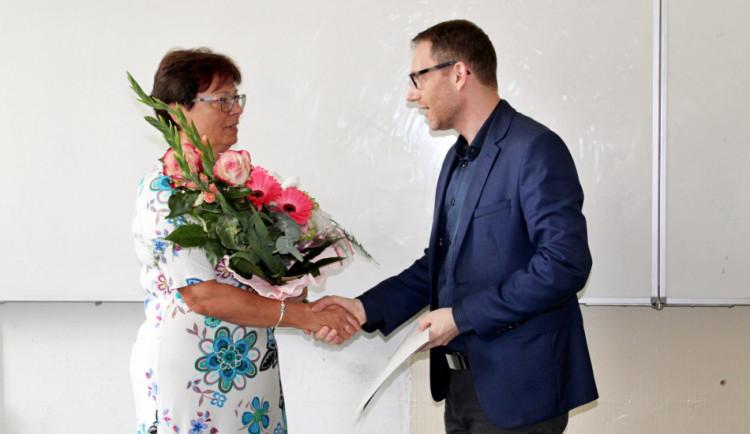 Osmnáct let Základní školu Matice školské v Budějcích vedla žena. V září ji vystřídá muž