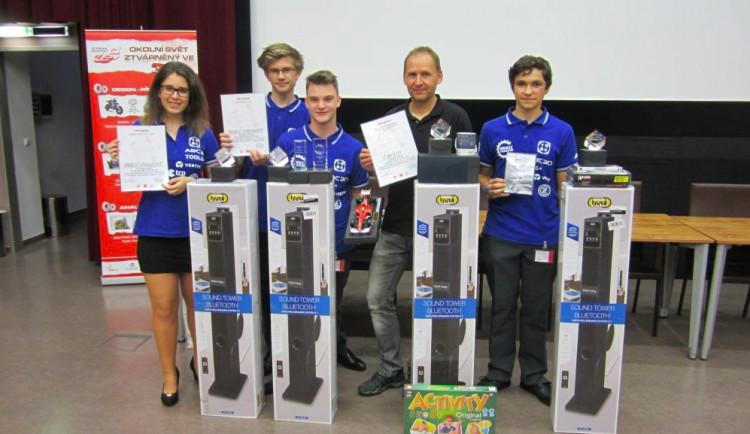 Strakoničtí studenti zvítězili v soutěži Formule 1 a získali tak zlatý hattrick