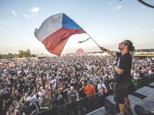 VIDEO: Let It Roll klepe na dveře. Největší drum and bassový festival proběhne opět v Milovicích