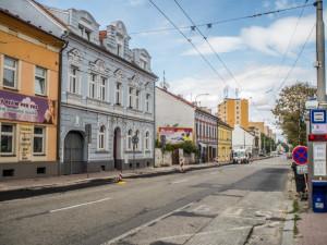 Dokončení křižovatky u nemocnice dalo zelenou konečné rekonstrukci Lidické