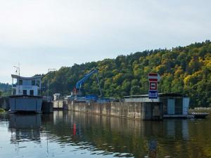 Plavební správa zakázala kvůli suchu proplouvání komory Kořensko