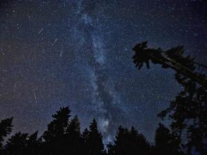 V noci bude vidět na obloze roj Perseidů