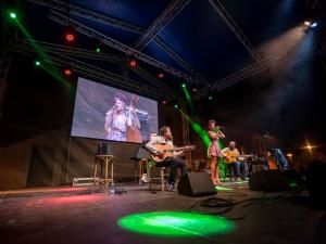NAŽIVO: Sympaťanda Cyrille Aimée si podmanila návštěvníky Jihočeského jazzového festivalu
