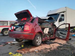 U Vodňan se srazila dodávka s autem. Čtyři lidé zemřeli