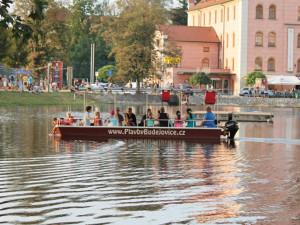 SOUTĚŽ: Město lidem, lidé městu bude hodně o vodě. A tucet čtenářů se projede s Drbnou lodí