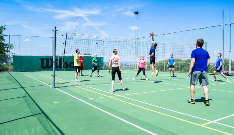 Technika postaví pro studenty hřištěna míčové sporty