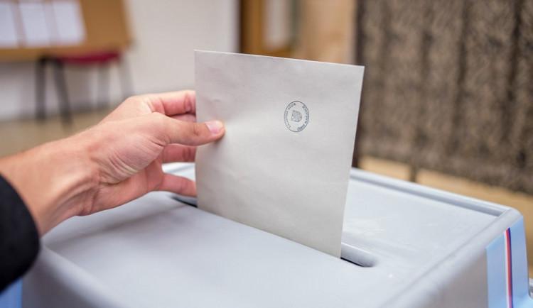 KOMENTÁŘ: O co vlastně jde v letošních volbách do Senátu?