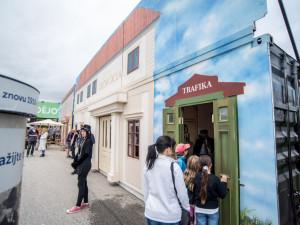 VIDEO/FOTO: K tabuli půjde Janíček! Zažít vyučování v obecné škole mohli lidé před budějckým výstavištěm