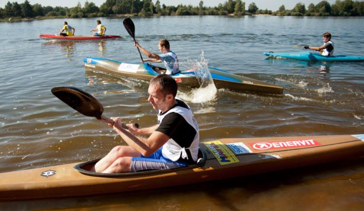 Lidé sepilepsií boří mýty, vyrážejí na vodácký triatlon. A závodníci podpoří malého Míšu