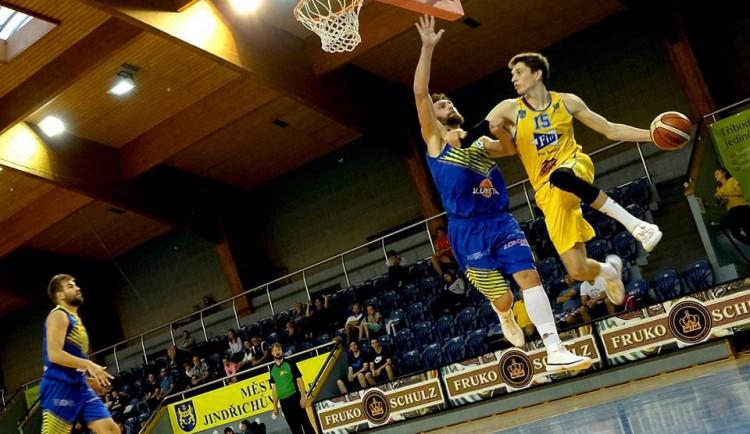Jindřichohradečtí basketbalisté si připsali další výhru. S přehledem porazili Vyšehrad