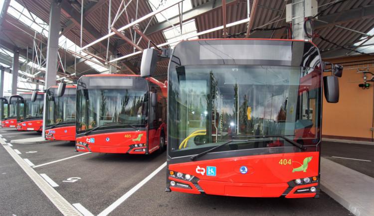 FOTO: Nové moderní elektro midibusy vyjedou do budějckých ulic už v listopadu