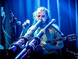 KULTURNÍ TIPY: Poslechněte si, jak zní didgeridoo, buzuki nebo bansuri flétna