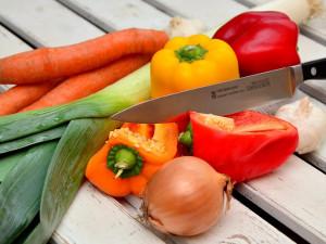 Zelenina v obchodech podražila, ovoce, máslo a cukr je levnější