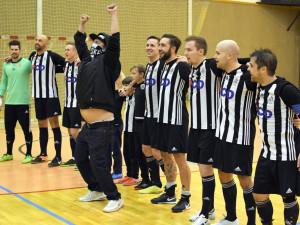 Futsalisté Dynama ve šlágru o postupové šance udolali Kladno. Nastříleli už sto gólů