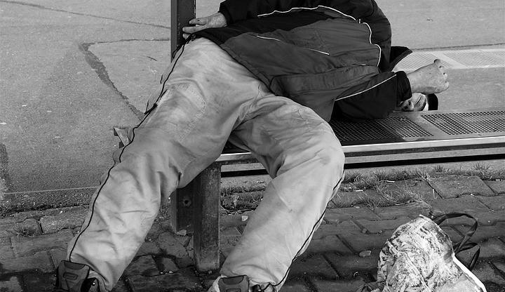 Slovák usnul na zastávce. Nadýchal přes tři promile