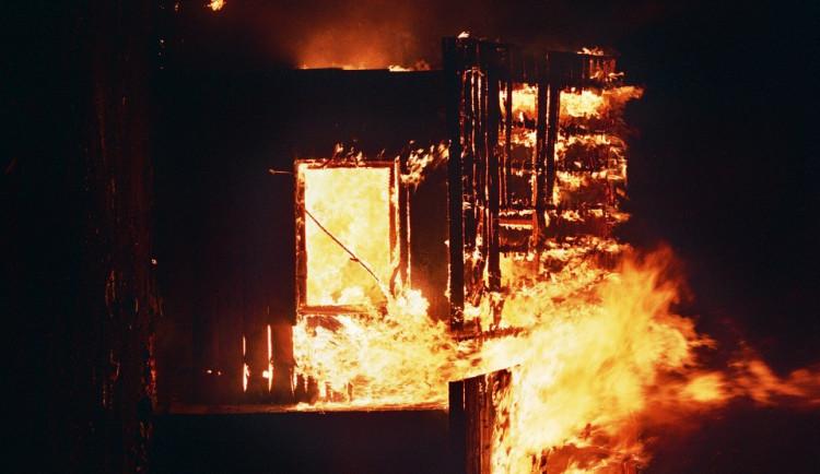 V Mirovicích hořela dílna, škoda je 300 tisíc korun