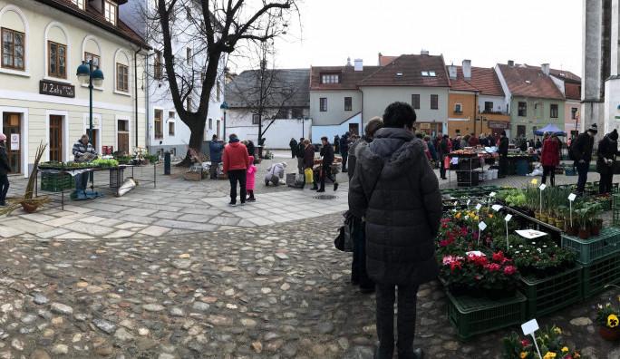 Oprava kláštera na Piaristickém náměstí se trhů nedotkne