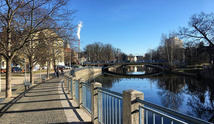 POLITICKÁ KORIDA: Budějčtí zastupitelé se rádi projdou kolem Malše, vyhnou se parkům a finančáku