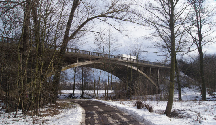 Řidiče v Písku omezí uzavírka. Oprava mostu uzavře hlavní tah na Budějce