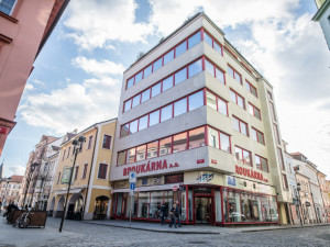 Lidé bydlící v centru Budějc bojují proti porušování nočního klidu. Město chystá vyhlášku